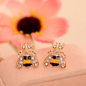 Jewelry - 🆕🐝 Bumble Bee Stud Earrings 🐝